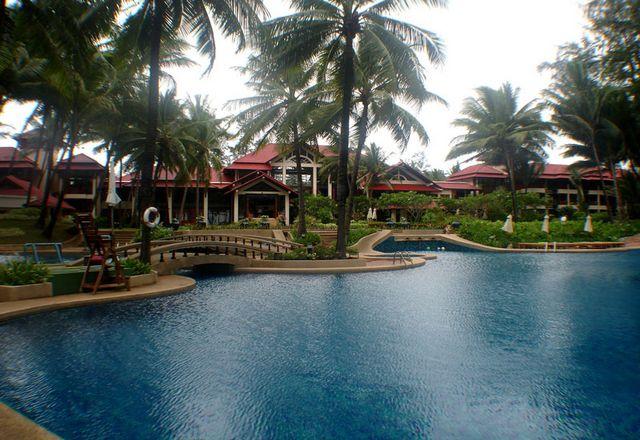 Outrigger laguna phuket beach resort - это отель